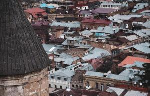 Крыши Тбилиси.
